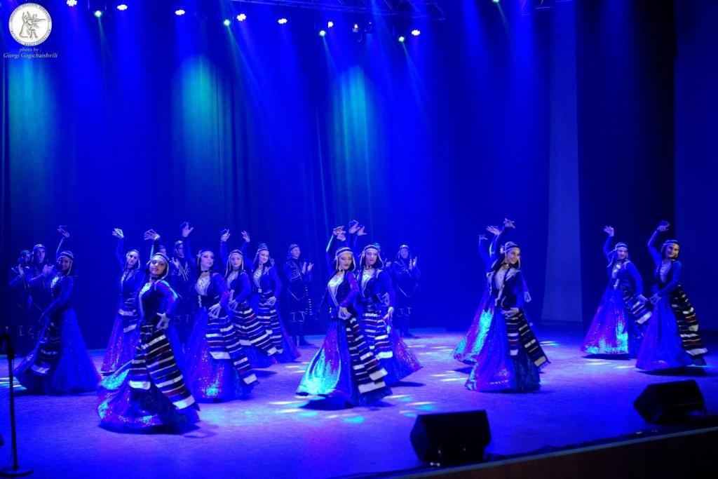 Государственный грузинский ансамбль песни и танца