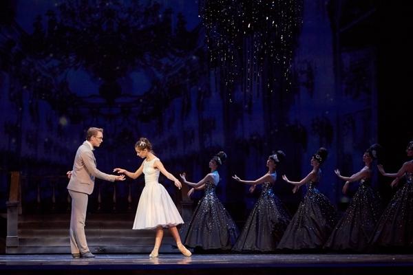 Золушка (Театр). Театр оперы и балета. Билеты в наличии:  руб. Свободных мест: 0