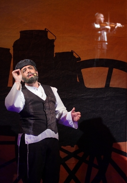 Скрипач на крыше (Театр). Театр музыкальной комедии. Билеты в наличии: 200.00 - 600.00 руб. Свободных мест: 10