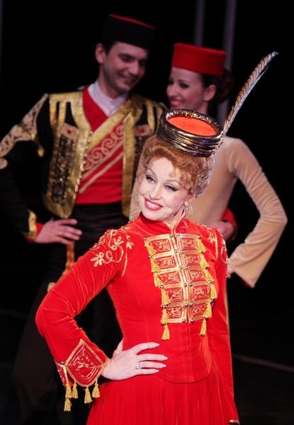 Веселая вдова (Театр). Театр музыкальной комедии. Билеты в наличии: 200.00 - 600.00 руб. Свободных мест: 37