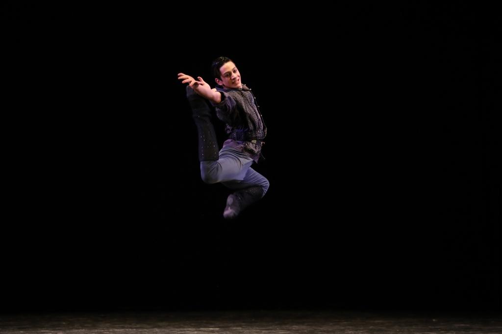 Королевский национальный балет Грузии (Концерты и шоу). Дворец молодежи. Билеты в наличии: 1200.00 - 3500.00 руб. Свободных мест: 453