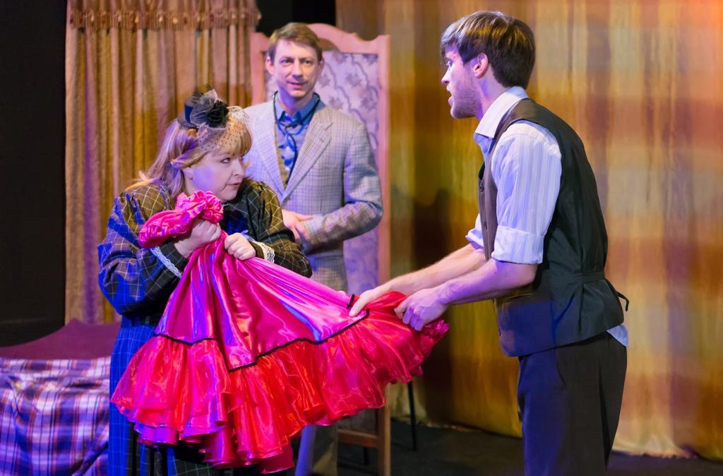 Танцовщица из Муллен Руж (Театр). Театр