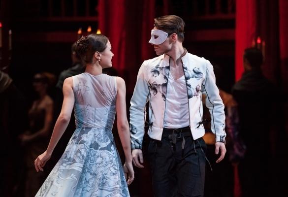 Ромео и Джульетта (Театр). Театр оперы и балета. Билеты в наличии: 300.00 - 1000.00 руб. Свободных мест: 4