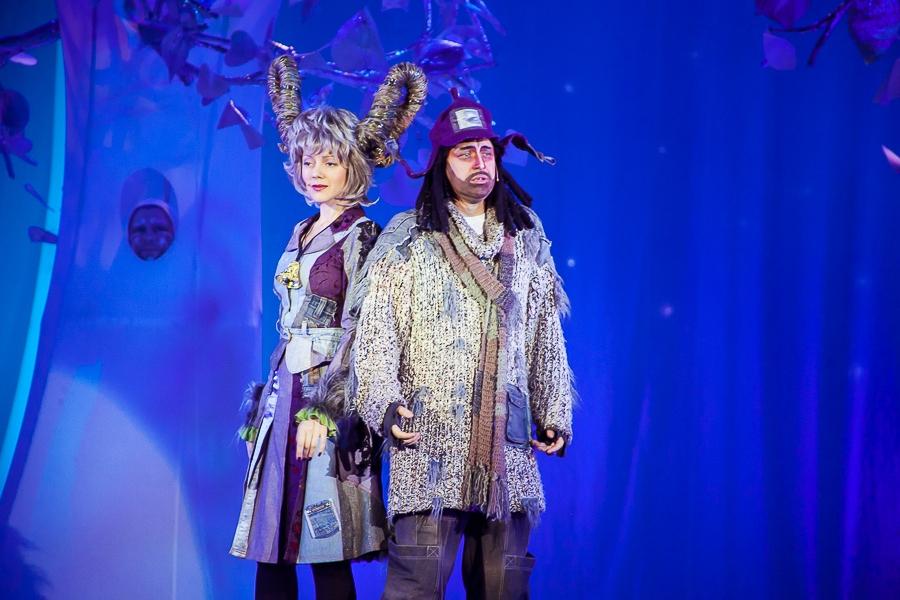 Сказка серебряного леса (Елки). Театр юного зрителя. Билеты в наличии: 450.00 - 600.00 руб. Свободных мест: 18